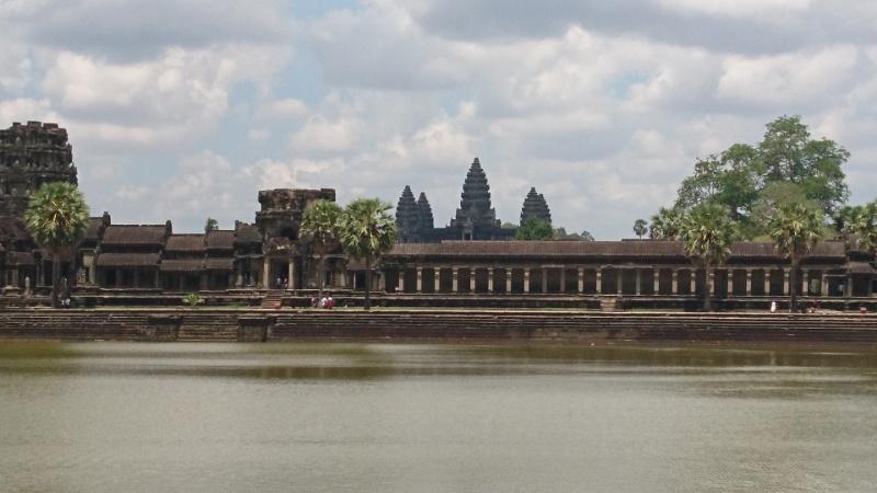 カンボジア旅行 ! 現地でのビザ取得方法!!  ~かんたん、スピーディー、安くゲット~